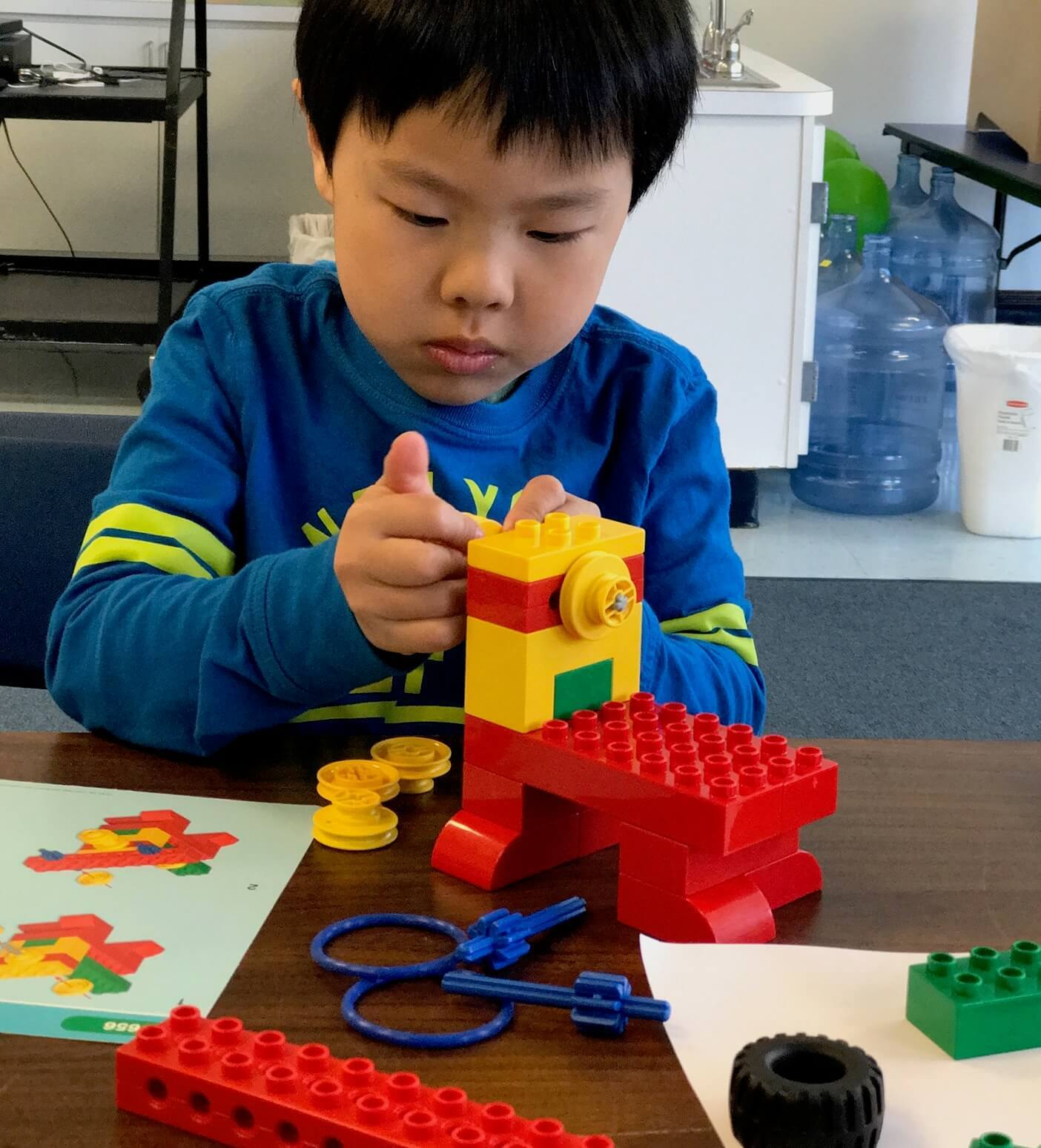 Kids Summer Camps and Lego Robotics age 4 year old to age 5 year